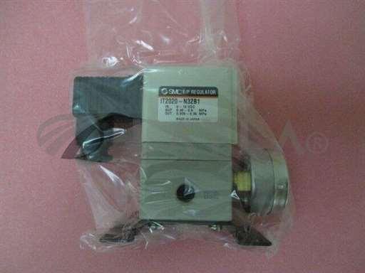 3870-02053/-/AMAT 3870-02053 Regulator Press 1/4 Port Size with bracket/AMAT/-_01