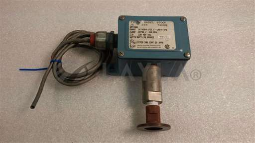 /-/United Electric Controls Type J Model 218 Pressure Switch w/ Cable//_01